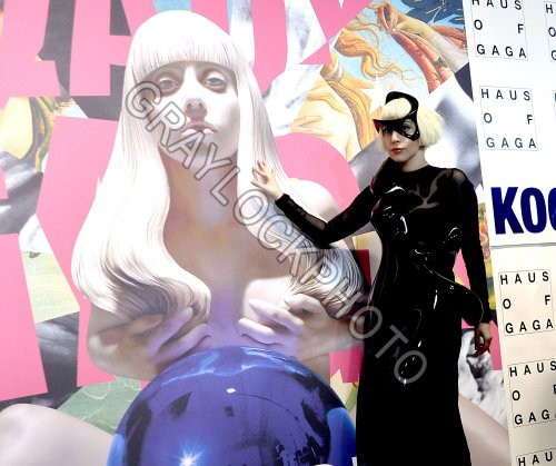 ~Entertainment~20131110~Lady_Gaga_ARtpop~IMG_0861