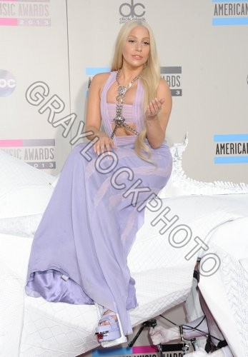 ~Entertainment~20131124~American_Music_Awards_Arrivals~AMA_Gaga54011