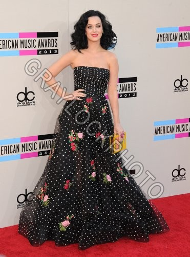 ~Entertainment~20131124~American_Music_Awards_Arrivals~AMA_Perry4678