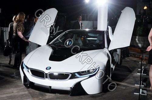BMW i8 Concept Sports Car, Eco Friendly Sex onWheels