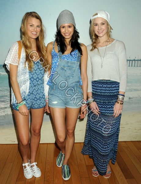 ~Entertainment~20140416~Hollister_and_Abercrombie_Collections~AmbercrombieHollister525