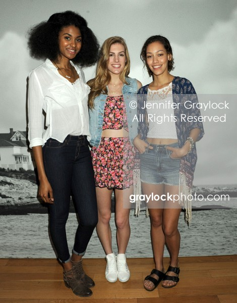 ~Entertainment~20140416~Hollister_and_Abercrombie_Collections~AmbercrombieHollister532