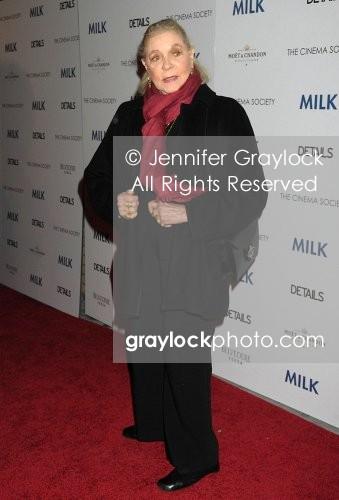 ~Entertainment~20081118~The_screening_of_Milk~LaurenBacall0338