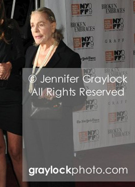 ~Entertainment~20091011~Broken_Embraces_Premiere~LaurenBacall7005