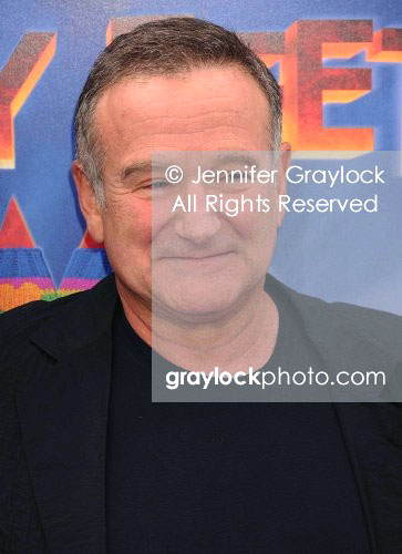 ~Entertainment~20111113~Happy_Feet_Premiere~RobinWilliams28099
