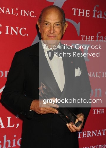 ~Entertainment~20091022~26th_Annual_Fashion_Group_International_Night_of_Stars_Awards~OscardelaRenta01430