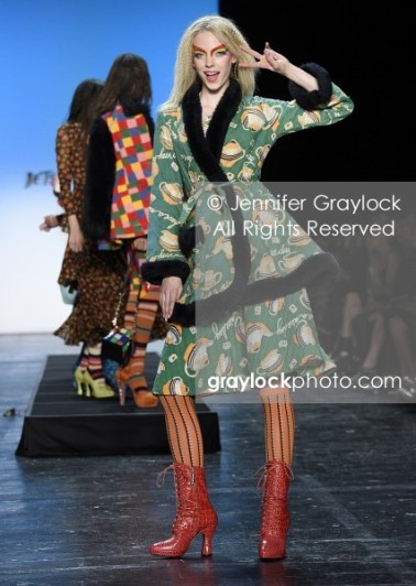 -Entertainment-20150911-Betsey_Johnson_Spr_2016_RW-_GRA9900