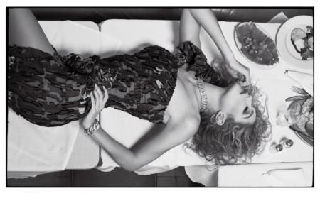 Gigi-Hadid-CR-Fashion-Book-Spring-2016-Photoshoot04-450x300
