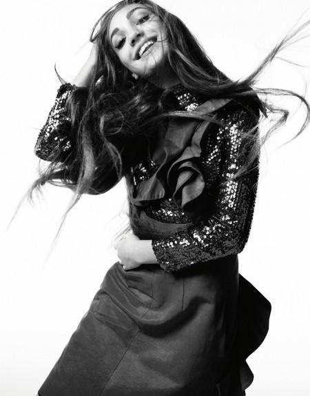 Maddie-Ziegler-Hunger-Magazine-2016-Cover-Photoshoot02-450x574
