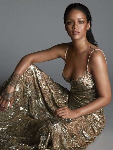 Rihanna-Vogue-Magazine-April-2016-Cover-Photoshoot02-450x600