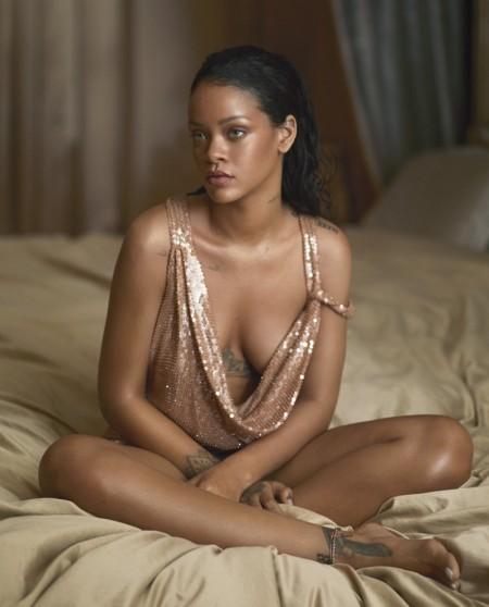 Rihanna-Vogue-Magazine-April-2016-Cover-Photoshoot03-450x558