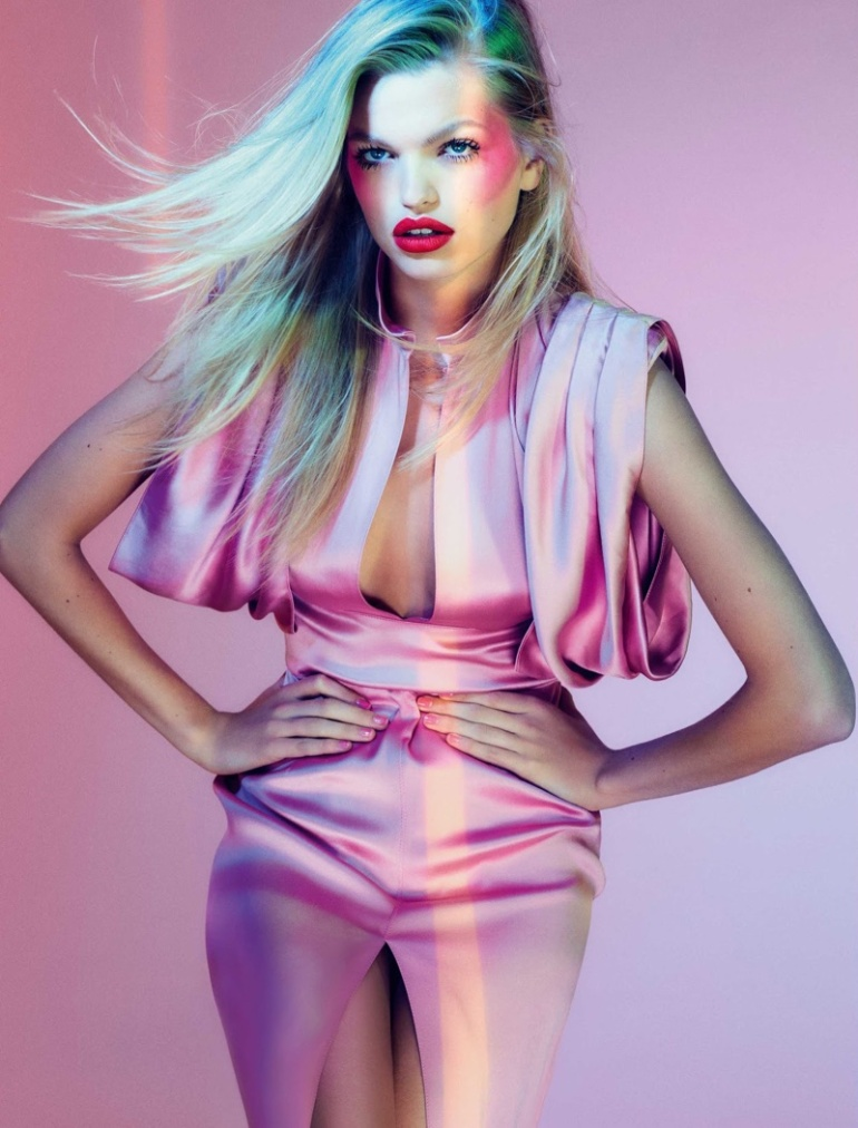 Daphne-Groeneveld-ELLE-Brazil-August-2017-Cover-Editorial02