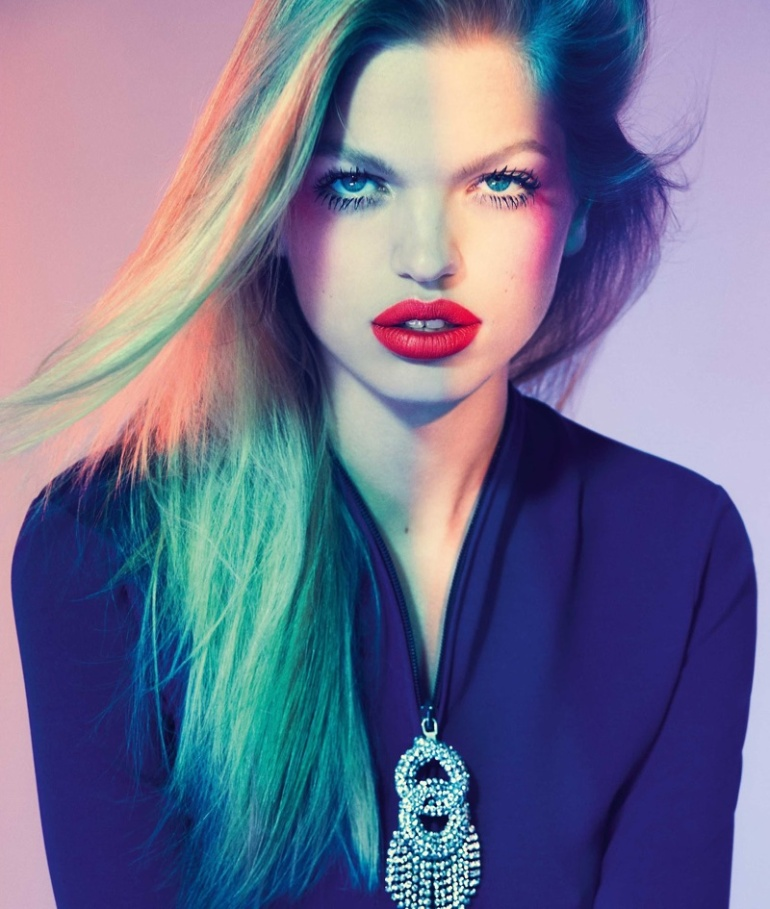 Daphne-Groeneveld-ELLE-Brazil-August-2017-Cover-Editorial10