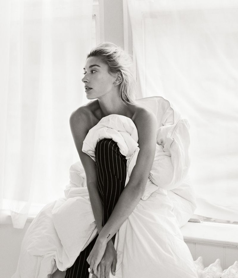Hailey-Baldwin-Vogue-Mexico-Cover-Photoshoot06