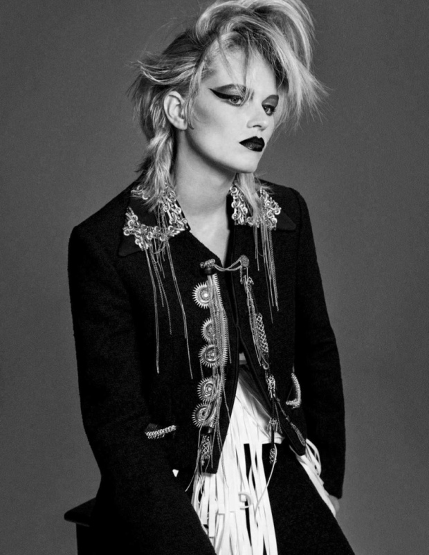 Anna-Ewers-Vogue-Germany-Cover-Photoshoot04