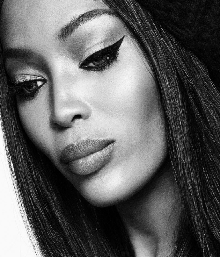 Naomi-Campbell-Black-White02