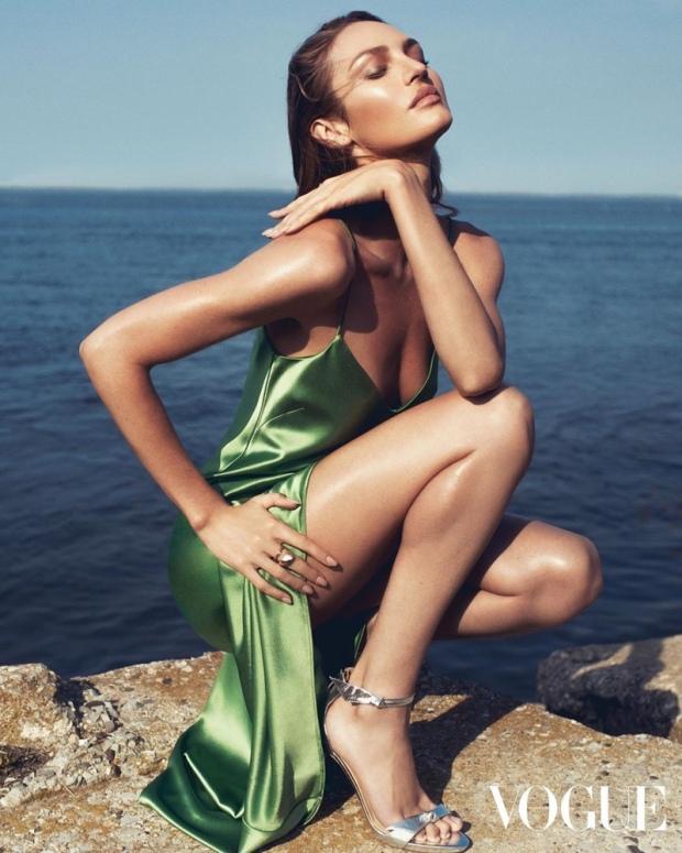 Candice-Swanepoel-Fashion-Shoot04
