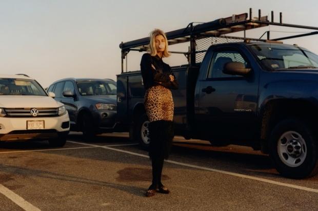 Hailey-Baldwin-Fashion-Photoshoot12
