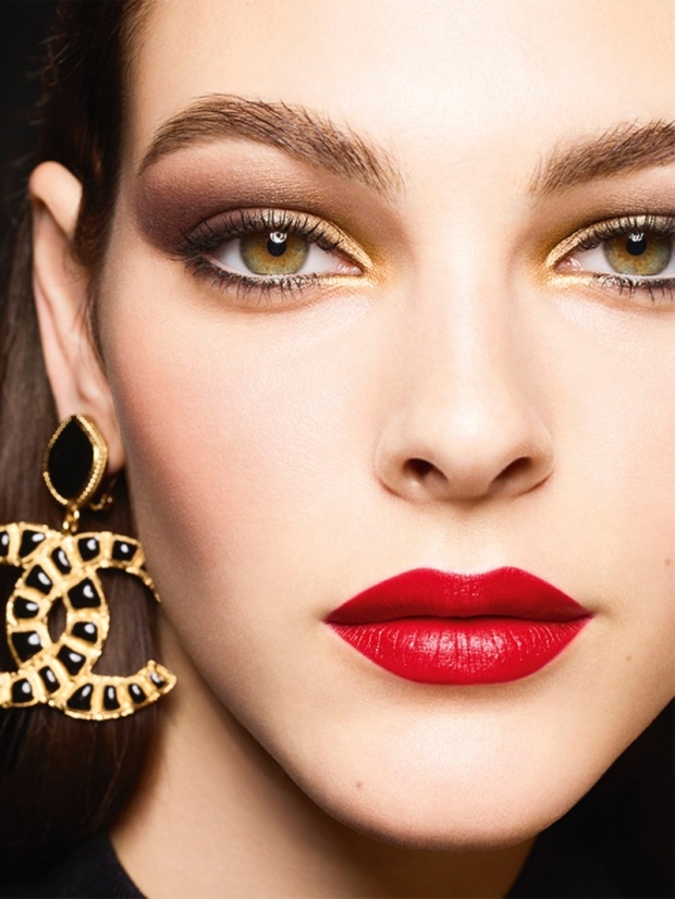 Chanel-Makeup-Holiday-2019-Campaign04.jpg